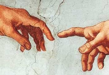 mani in contatto